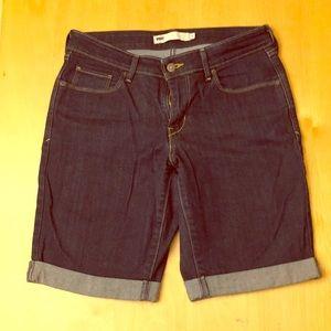 Levi's Bermuda Dark Wash Shorts